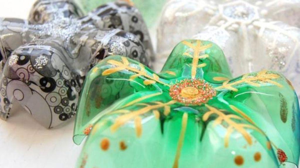 Bricolage Con Bottiglie Di Plastica.Come Realizzare Delle Decorazioni Natalizie Con Le Bottiglie Di