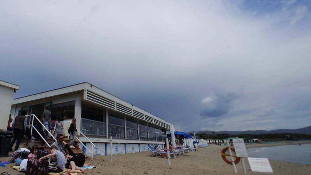 decalogo sai comportarsi in spiaggia