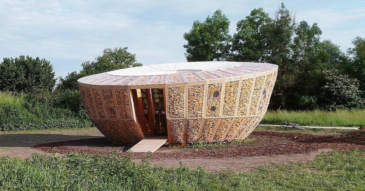 Ecco un progetto francese per una casa fatta interamente di pannocchie