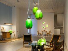 Una lampada fatta di alghe che assorbe gli inquinanti nell'aria