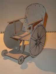 Sedia a rotelle in cartone ambiente bio for Sedia a rotelle kuschall