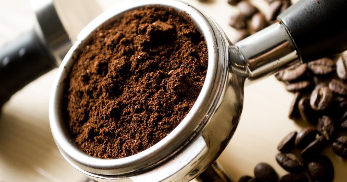 12 modi per riutilizzare i fondi del caffè