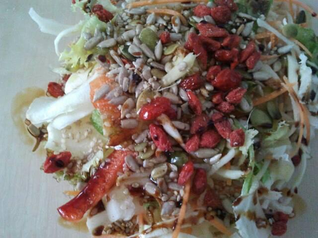 insalata peperoni bacche di goji