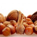 Frutta secca nelle adolescenti riduce il rischio di cancro al seno in età adulta