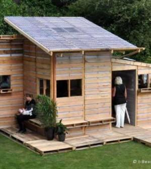 Pallet house la casa economica fatta di pallet riciclati - Costruire una casa economica ...