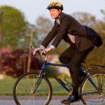 Andare a lavoro in bici, a piedi o col bus migliora la vita e l'ambiente lavorativo