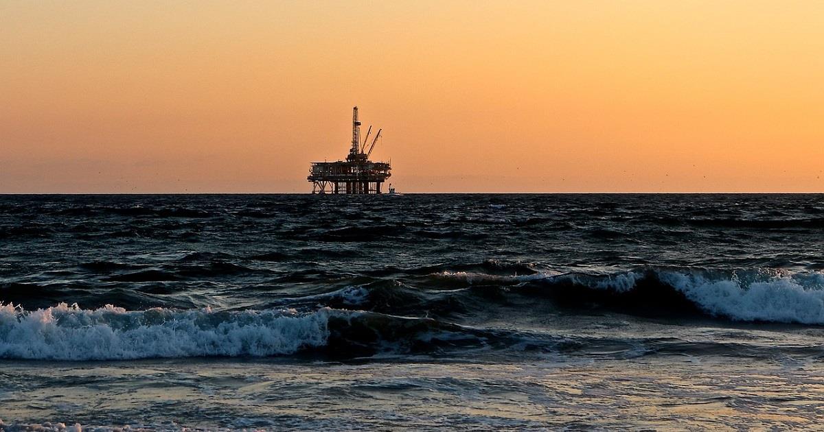 Shell potenzia le estrazioni di petrolio con le rinnovabili