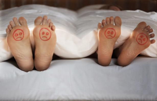 posizioni dormire coppia