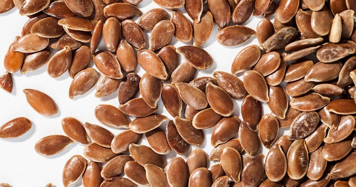 Come pulire il colon con semi di lino e Kefir