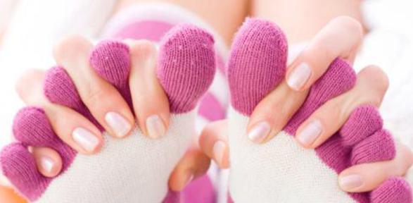 Mani e piedi freddi cause e rimedi naturali - Piedi freddi a letto ...