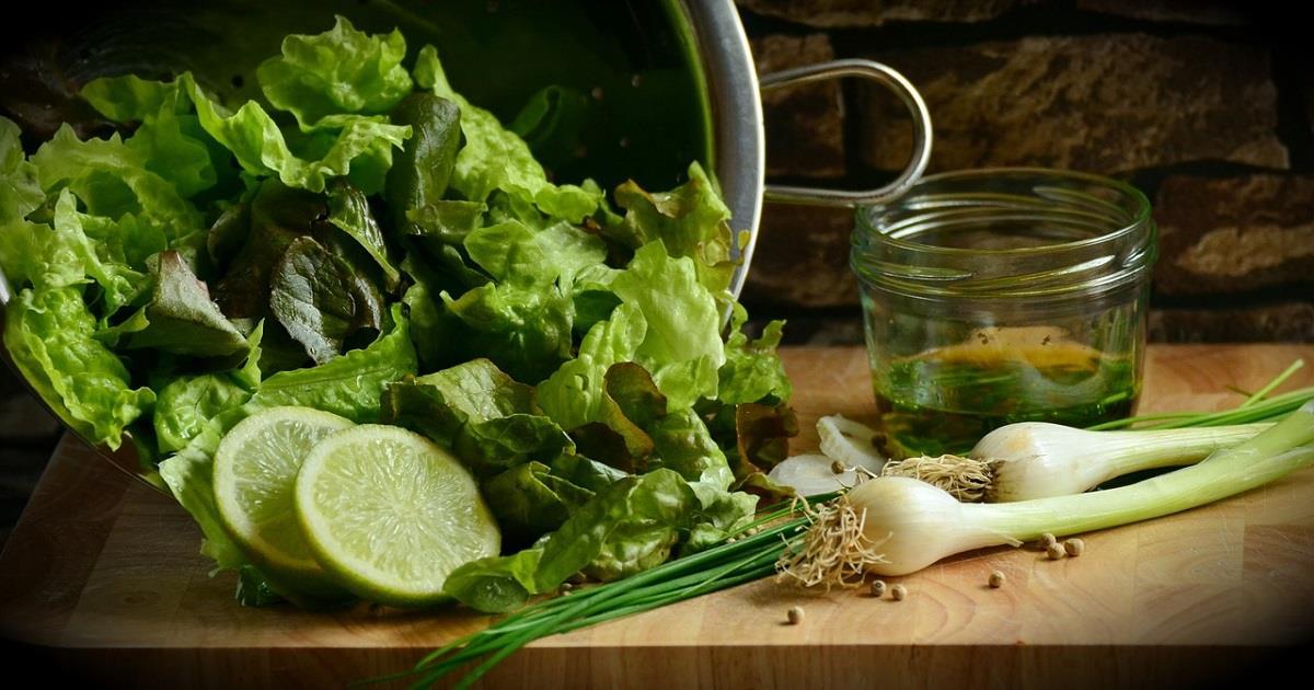 Come coltivare in casa le verdure dagli scarti