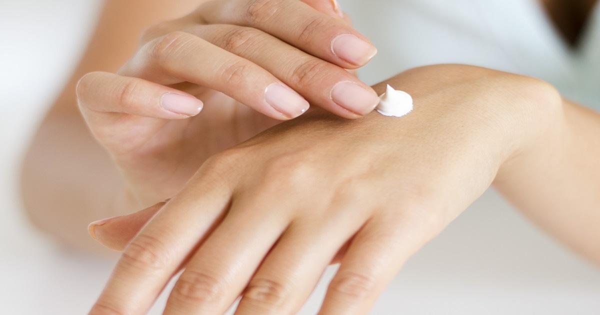 Come preparare in casa una crema mani fai da te