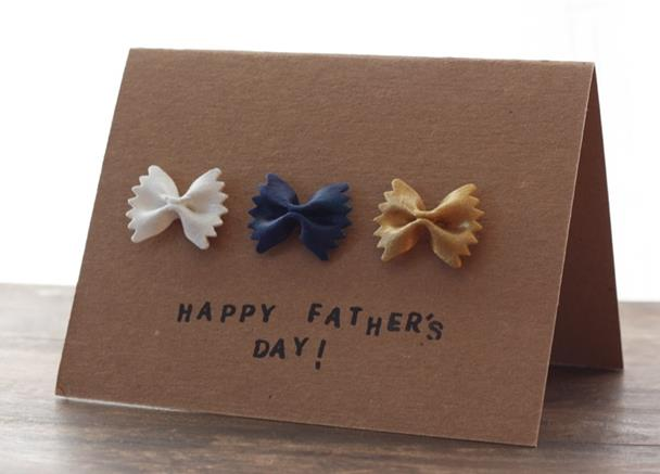 Foto: http://thegoldjellybean.com/wp-content/uploads/2012/05/Fathers-Day-Cards_0002_bow-ties-card.jpg