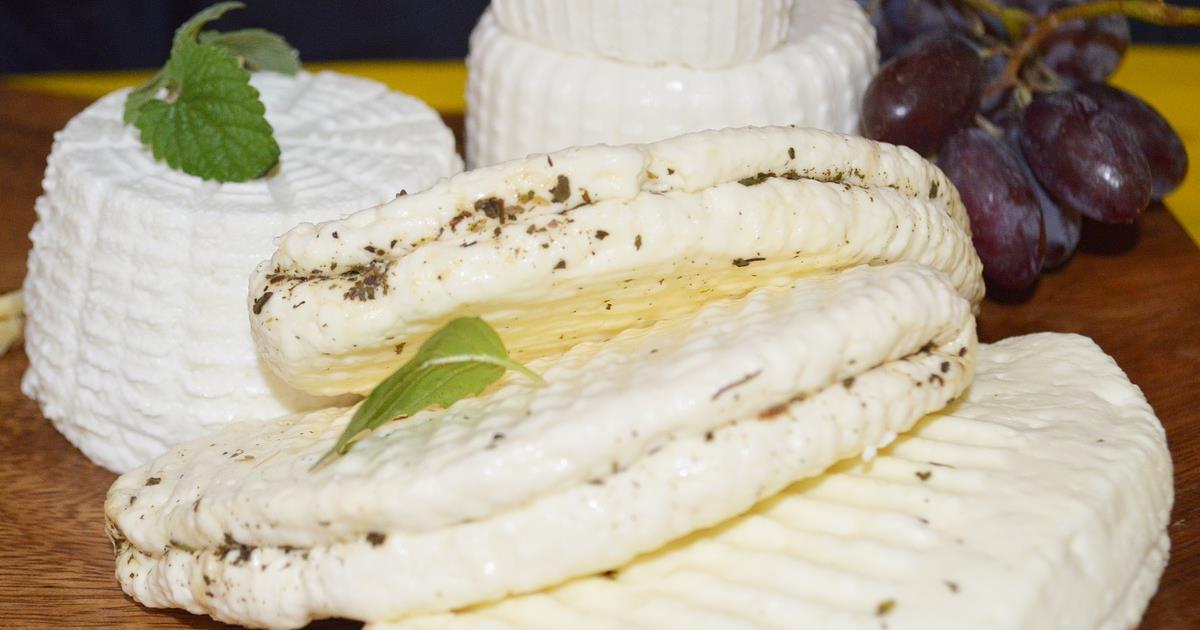 Formaggio senza latte: diktat UE all'Italia