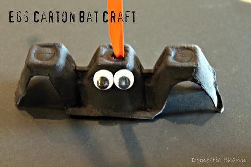 http://domesticcharm.blogspot.it/2011/09/halloween-bat-craft.html