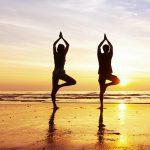 5 posizioni yoga per caricarvi di energia la mattina