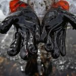Genova: petrolio raggiunge il mare. Situazione drammatica