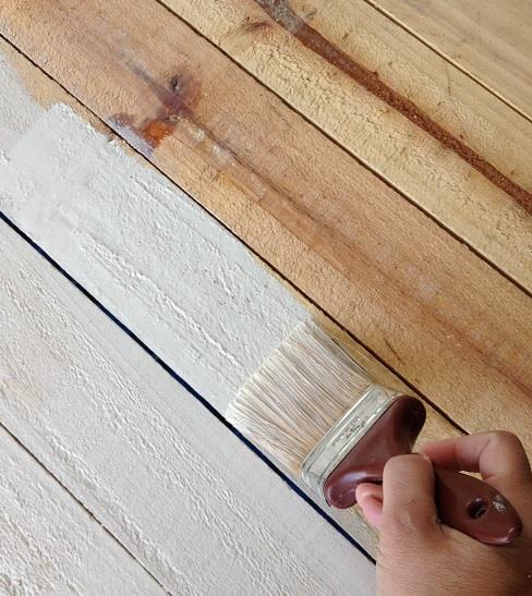 Ecco due ricette per realizzare una vernice naturale per il legno