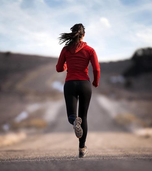 Fare jogging di mattina: tutti i benefici di questa semplice attività