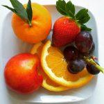 Pesticidi nella frutta? Lavare e sbucciare non basta