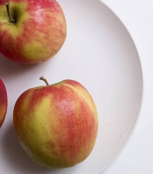 La mela ha eccellenti proprietà antitumorali: la ricerca italiana