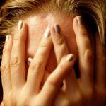 Rimedi naturali per il mal di testa: cosa mangiare e cosa no