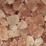 Cefalea, rimedi naturali: i benefici del sale dell'Himalaya