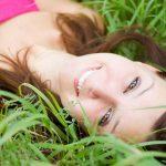 Ringiovanite la pelle del viso eliminando 4 alimenti cattivi