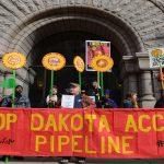 Nativi americani contro oleodotto in North Dakota: «Basta profanare la nostra terra»