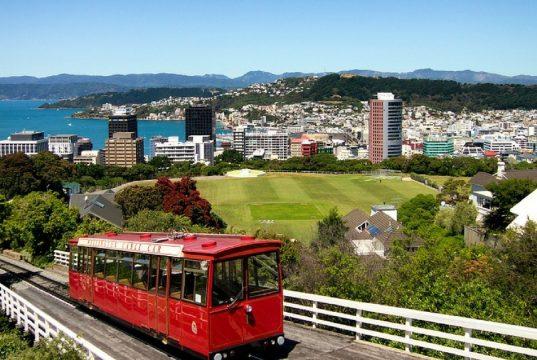 Vuoi lavorare in Nuova Zelanda? Il viaggio te lo paga lo Stato
