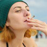 Codacons contro il fumo: divieto in spiaggia
