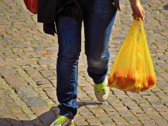 Buste della spesa: perché pagare quando sono brandizzate?