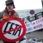 """Non basta il sit-in """"Stop Ceta"""": arriva il sì della Commissione in Senato"""