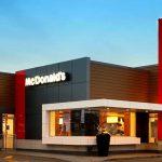 Salario minimo: se con un'ora di lavoro non ti compri nemmeno un Big Mac