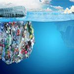 """""""Da Coca-Cola solo promesse"""": Greenpeace all'attacco sulle bottiglie di plastica"""