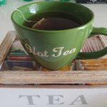 Bere il tè caldo tutti i giorni riduce il rischio glaucoma: lo studio