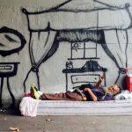 Nasce il primo distributore gratuito per senzatetto: con cibo e generi di prima necessità