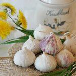 Colesterolo cattivo: dall'estratto di aglio al bergamotto, ecco i migliori rimedi naturali