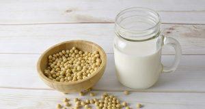 Latte di soia alternativa al latte vaccino
