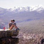 Trekking yoga: scopri tutti i benefici di praticare yoga all'aperto