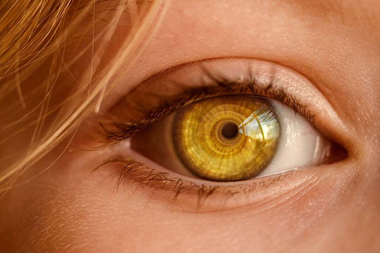Miosi: cosa è e cosa significano le pupille che si ...