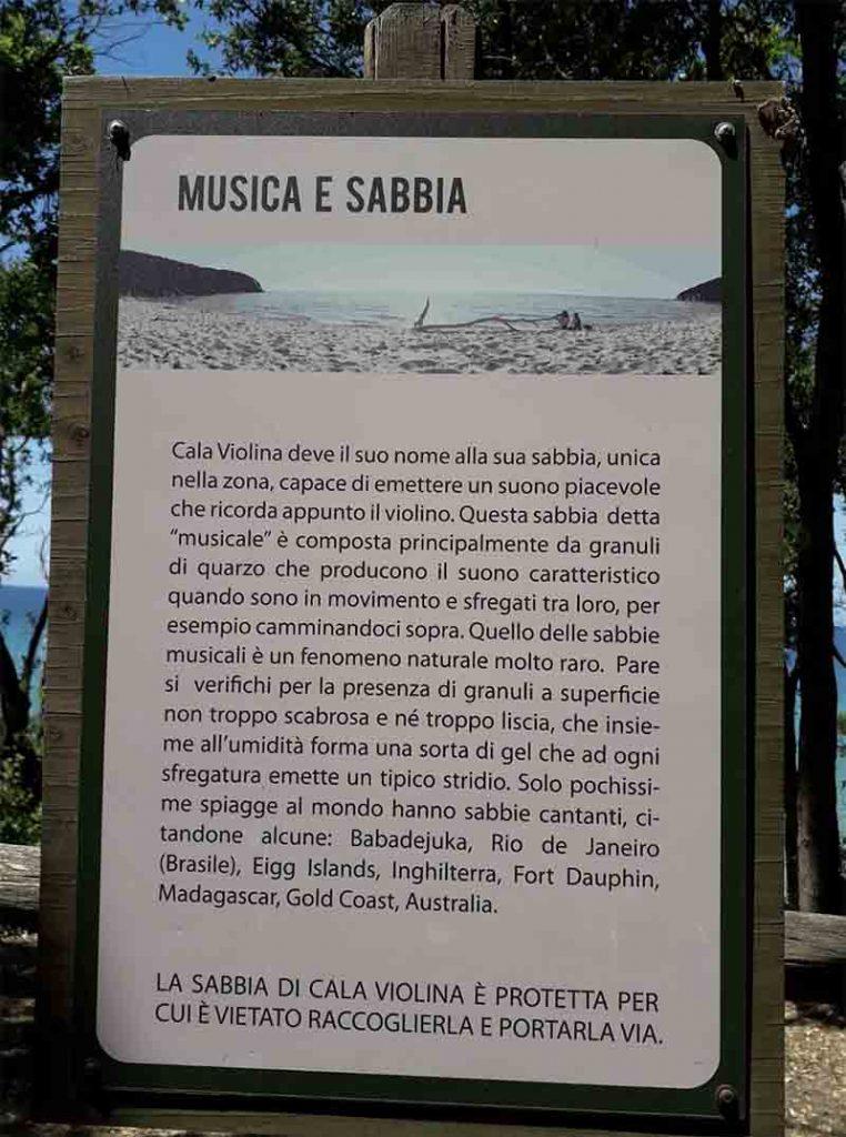 cala violina musica e sabbia