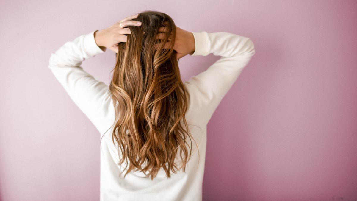 Caduta dei capelli nelle donne | Disturbi | Cause | Rimedi ...