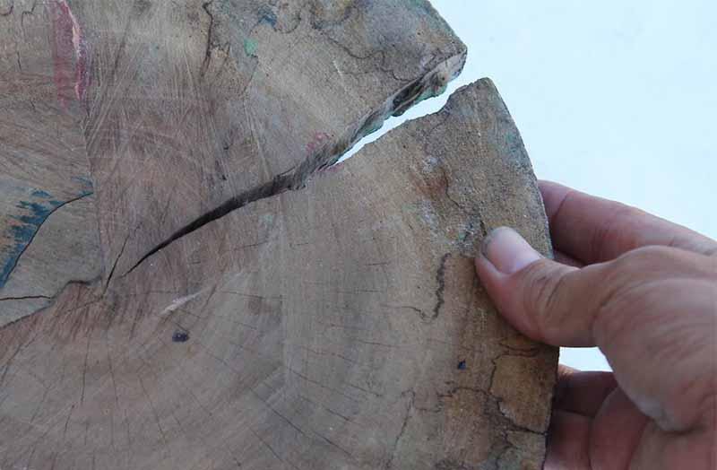 come accendere un fuoco base di legno
