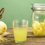Limoncello fatto in casa: gusta nella ricetta tutto il sapore dei limoni