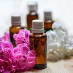 Oli essenziali: quali sono e uso corretto per il trattamento del dolore