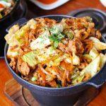 """Tempeh, la """"carne"""" di soia: tutte le proprietà e 3 gustose ricette"""