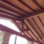 Tetti in legno: la soluzione elegante e sostenibile (che ti fa risparmiare sui costi in bolletta)
